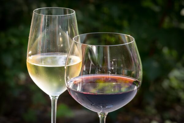 All the freshness of Spring in a glass of wine